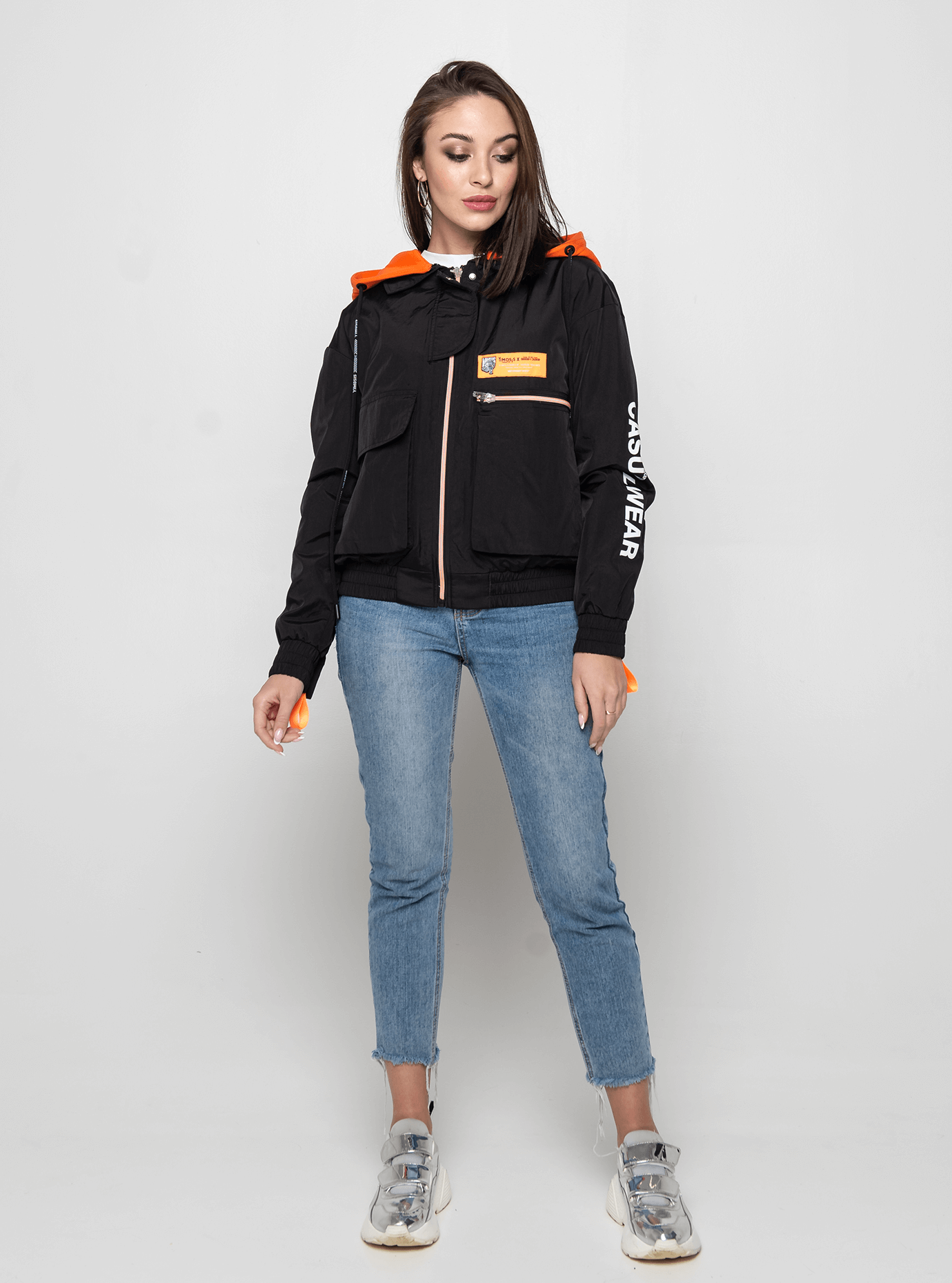 Куртка демисезонная с ярким капюшоном Чёрный L (02-Y191034): фото - Alster.ua