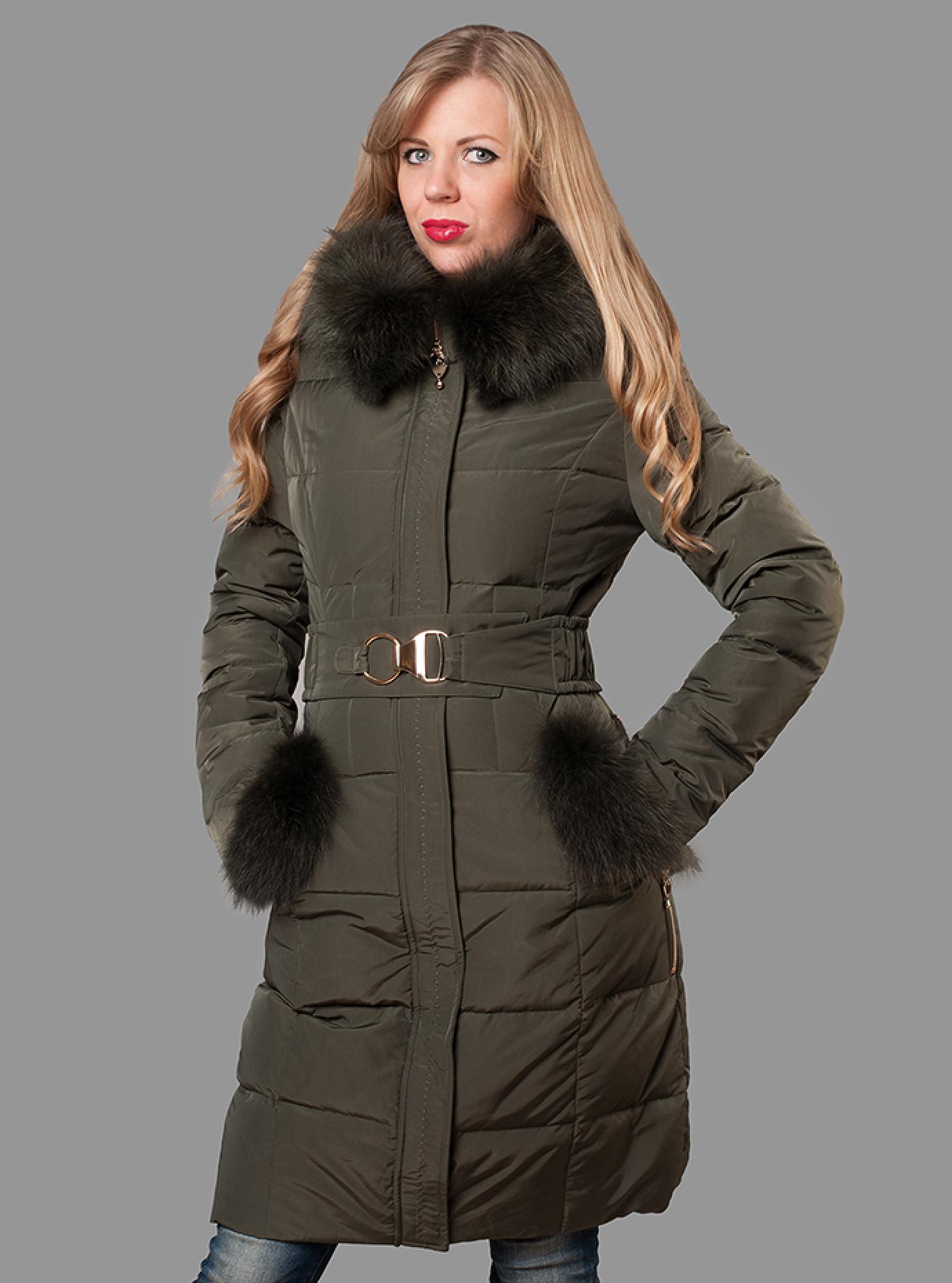 Пуховик женский зимний с мехом енота Чёрный S (05-ZZ19095): фото - Alster.ua