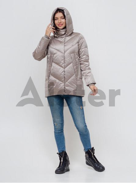 Куртка зимова середньої довжини з капюшоном