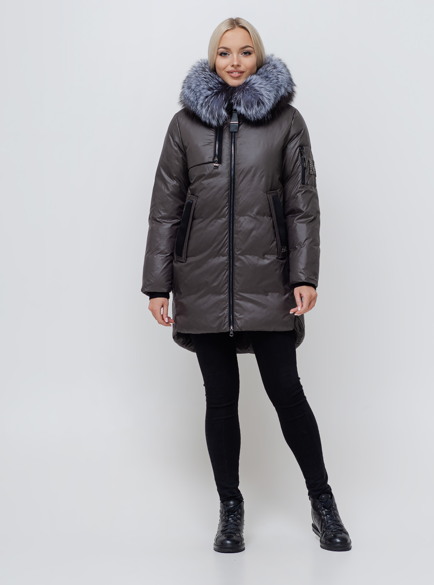 Жіноча зимова куртка хутром чорнобурки Графітовий S (01-210124): фото - Alster.ua