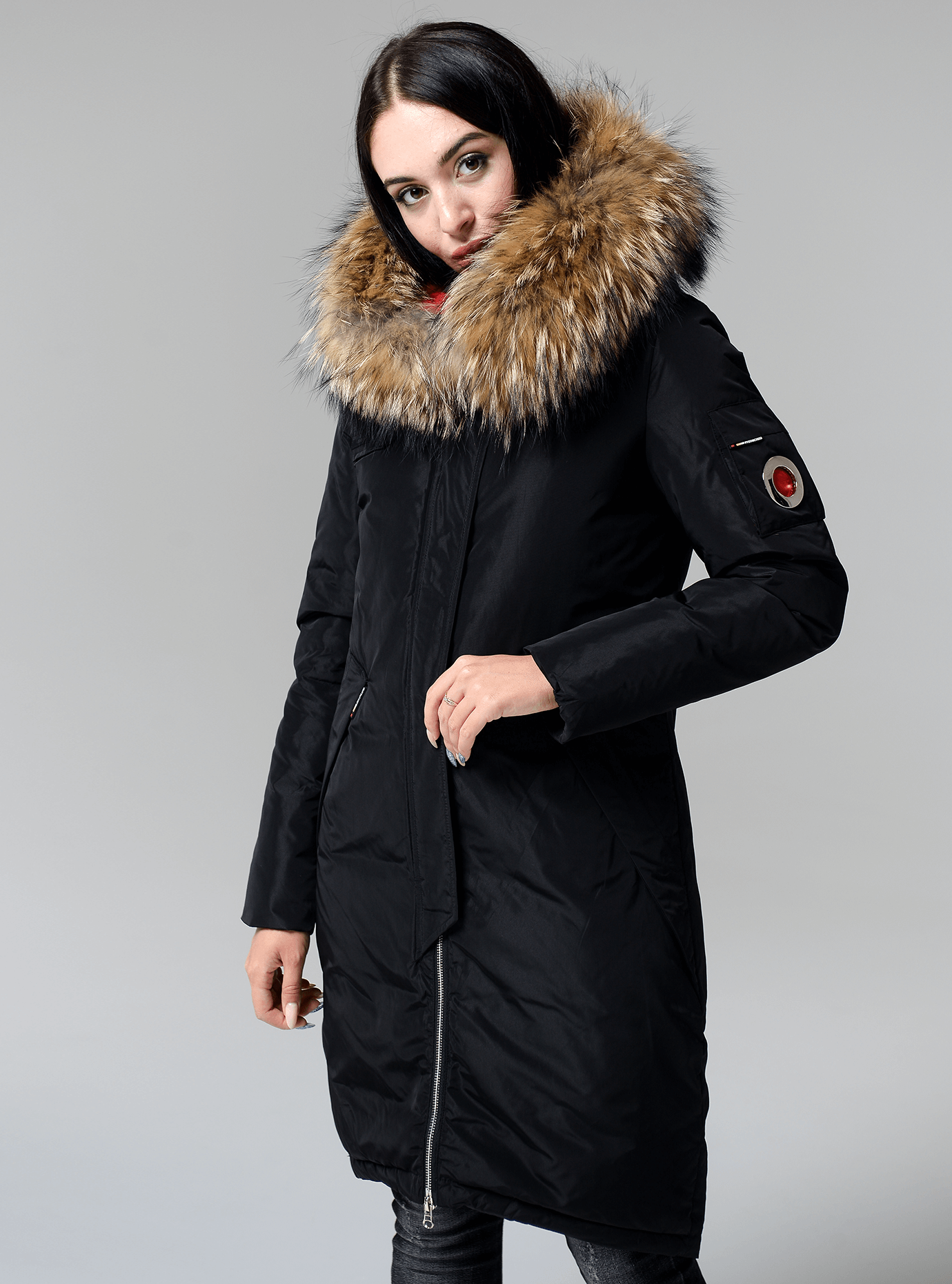 Куртка зимняя длинная со съемным мехом енота Чёрный S (05-V191277): фото - Alster.ua