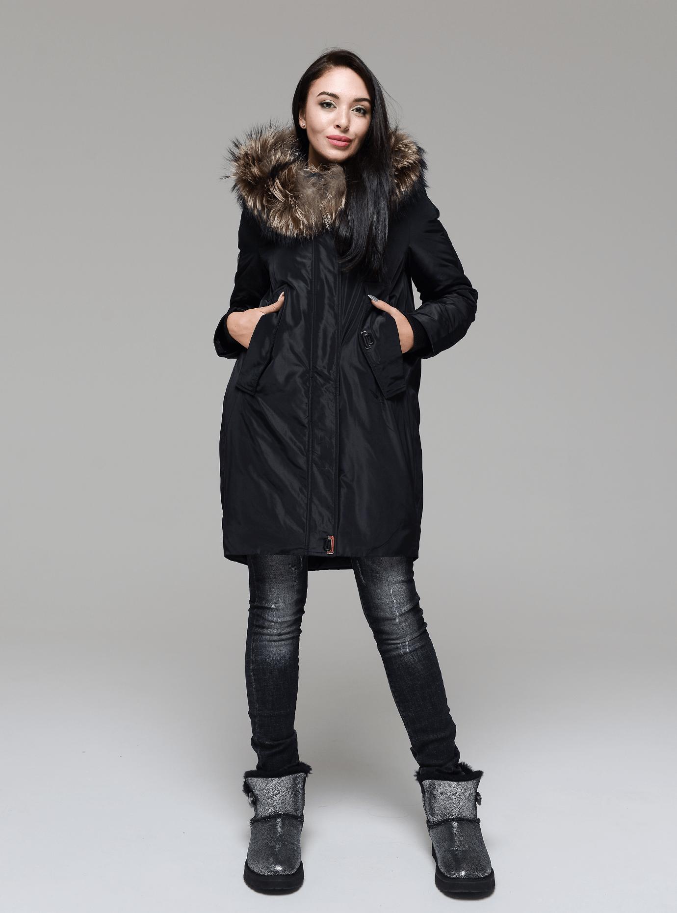 Куртка зимняя длинная со вставкой из меха енота Чёрный L (05-V191211): фото - Alster.ua
