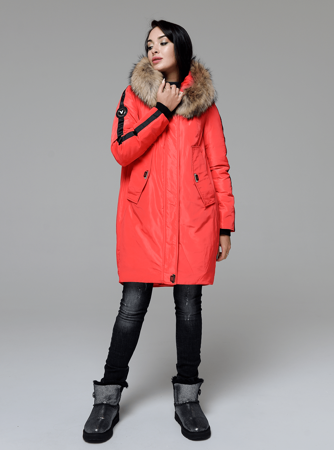 Куртка зимняя длинная со вставкой из меха енота Красный S (05-V191213): фото - Alster.ua