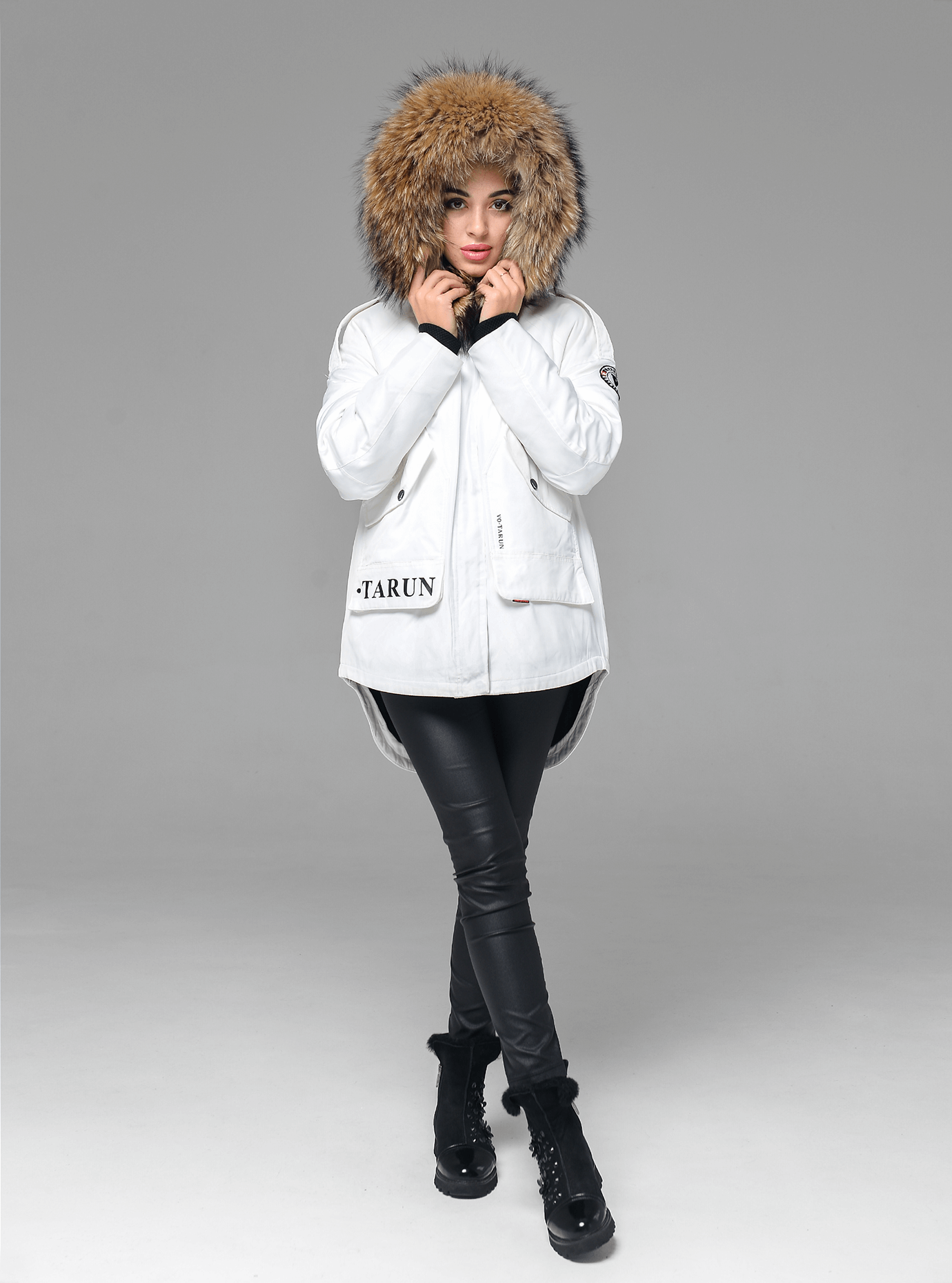 Зимняя куртка-парка с мехом енота Белый XL (05-V191228): фото - Alster.ua