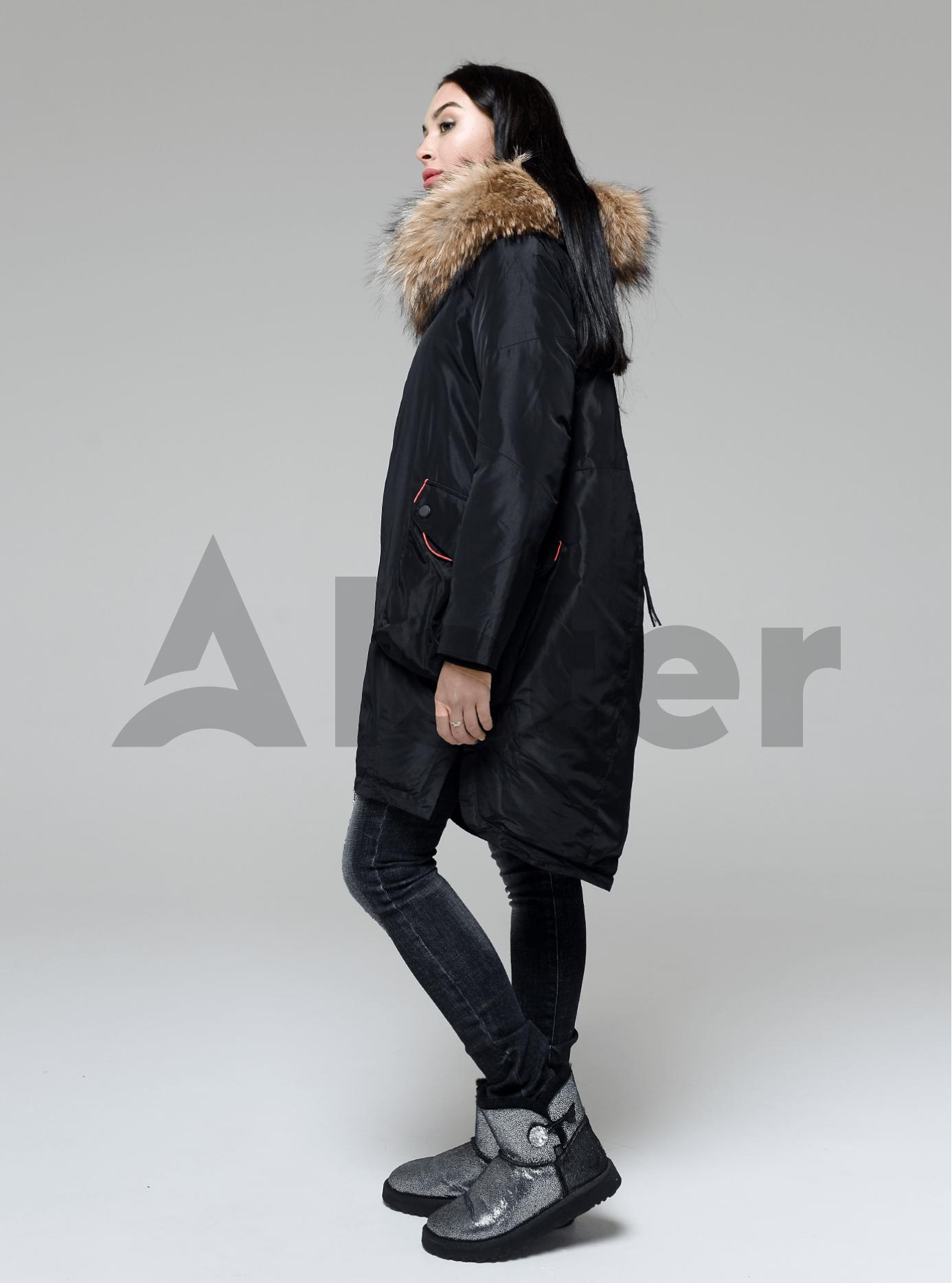 Куртка зимняя длинная с накладными карманами и мехом енота Чёрный M (05-V191232): фото - Alster.ua