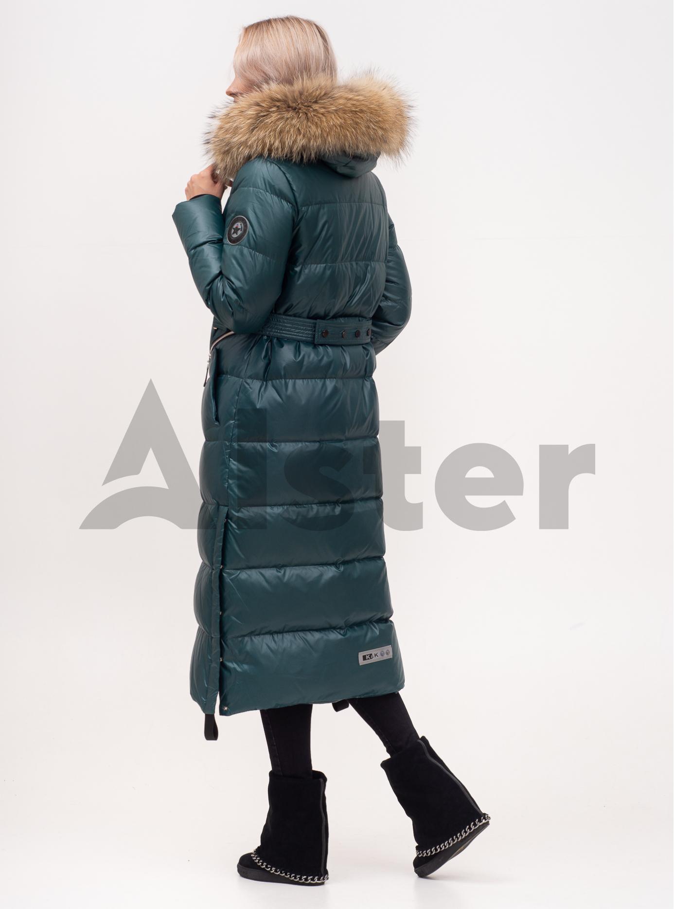Пуховик зимний длинный на молнии с мехом енота Изумруд S (01-N200457): фото - Alster.ua