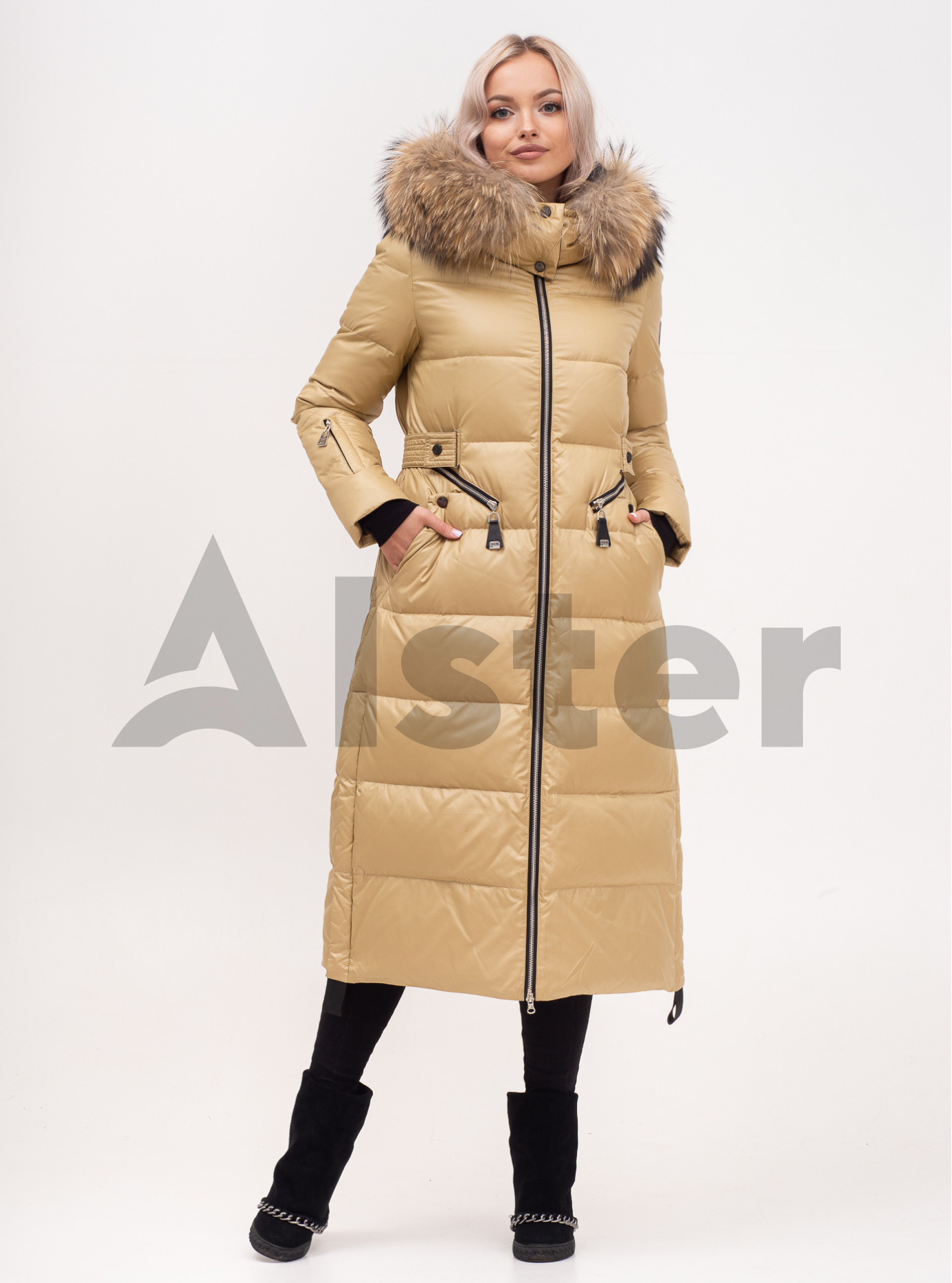 Пуховик зимовий довгий на блискавці з хутром єнота Бежевий S (02-N200469): фото - Alster.ua