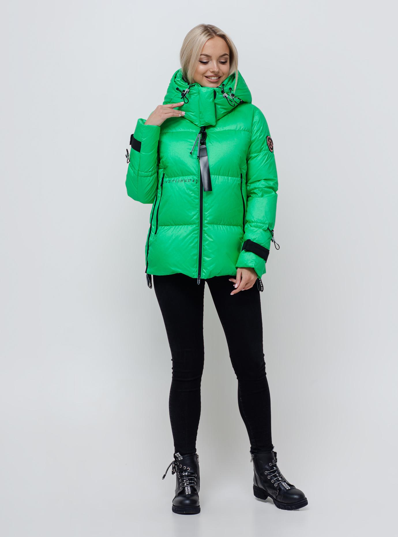 Жіночий пуховик з капюшоном Зелений S (05-SV201171): фото - Alster.ua