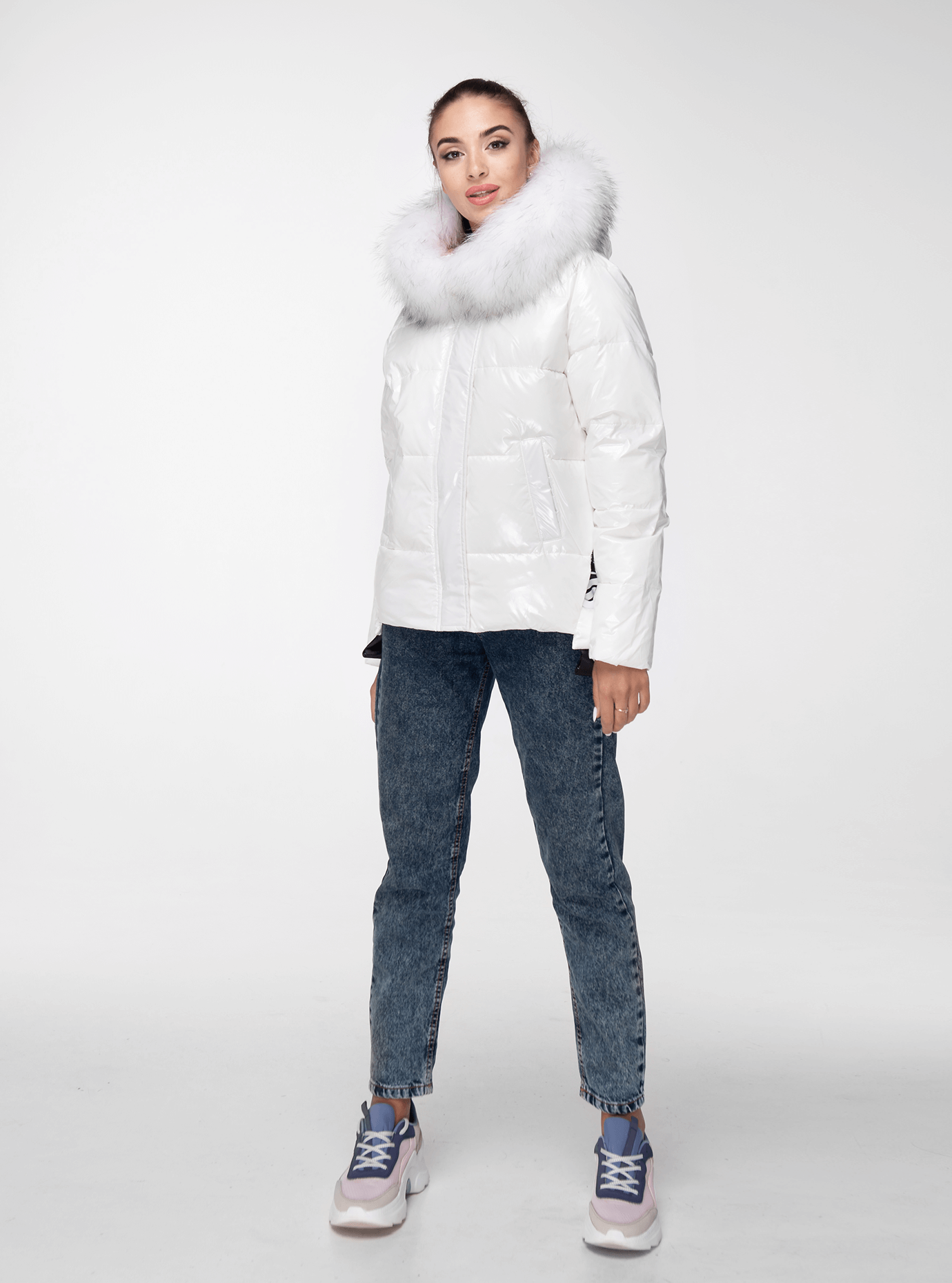 Куртка зимняя короткая с капюшоном и натуральным мехом Белый XL (05-ZL1946): фото - Alster.ua