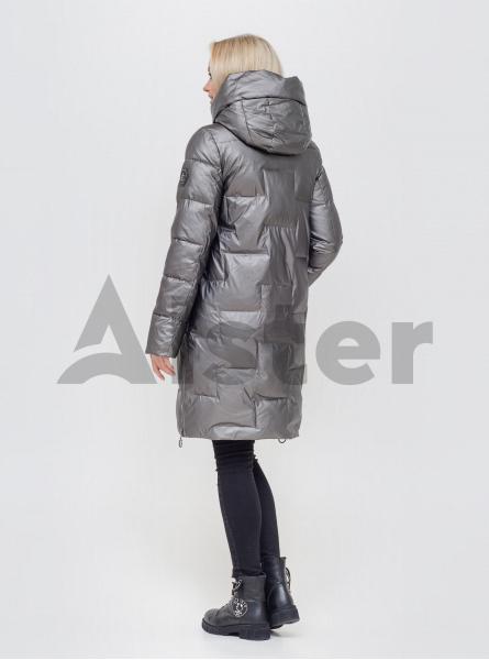 Зимова жіноча куртка